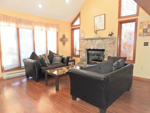 2496 Long Pond livingroom