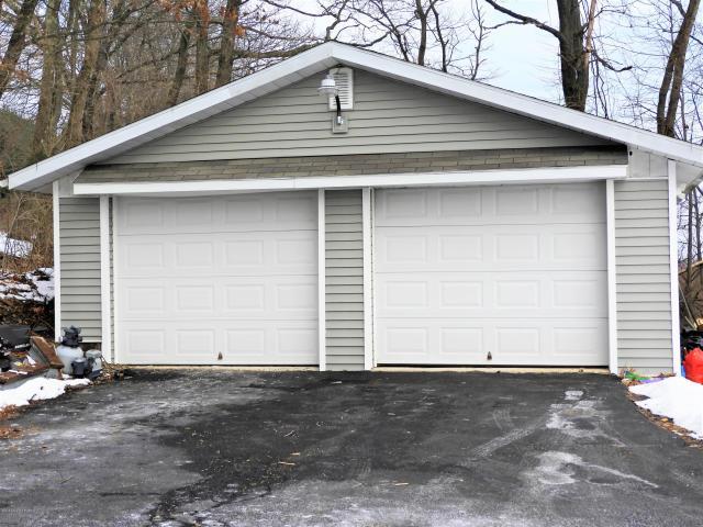 3649 Ashley garage