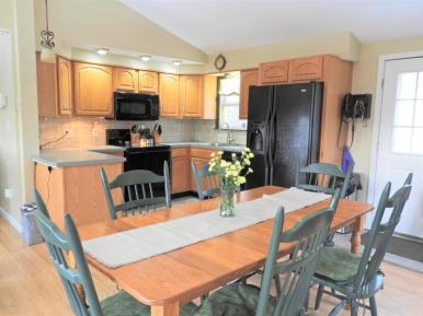 3649 Ashley kitchen