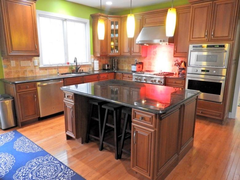 Kitchen with Center Island