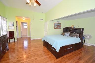 10 Master Bedroom (2)
