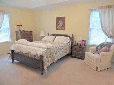 8 Master Bedroom (1)