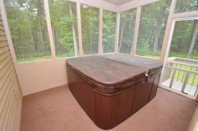 18 Screen Porch Hot Tub
