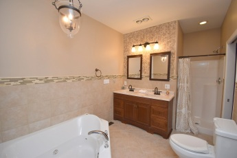 9 Master Bathroom (1)