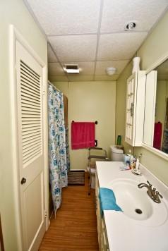 12 Bathroom1
