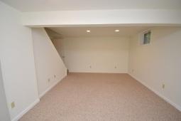 14 Lower Level Family Room (2)