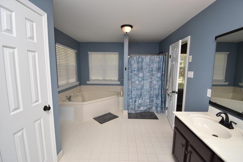 14 Master Bathroom (4)
