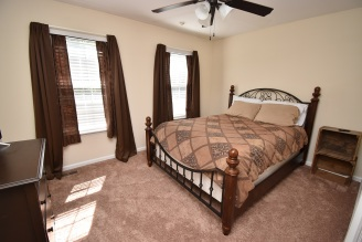 17 4th Bedroom (1)
