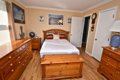 6 1st Bedroom2