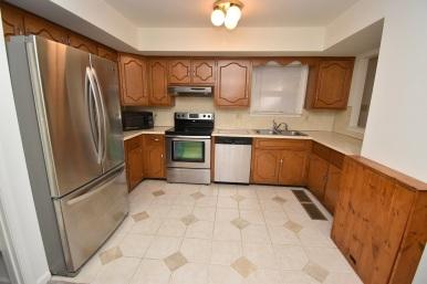 6 Kitchen (2)