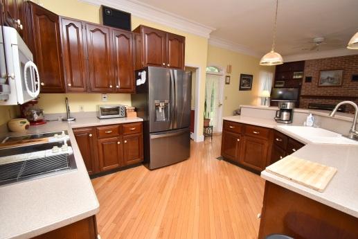 8 Kitchen (3)